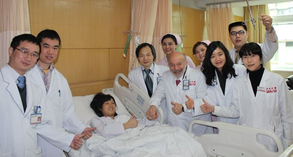 Dr. Silber with entire Chinese medical team and transplant recipient.